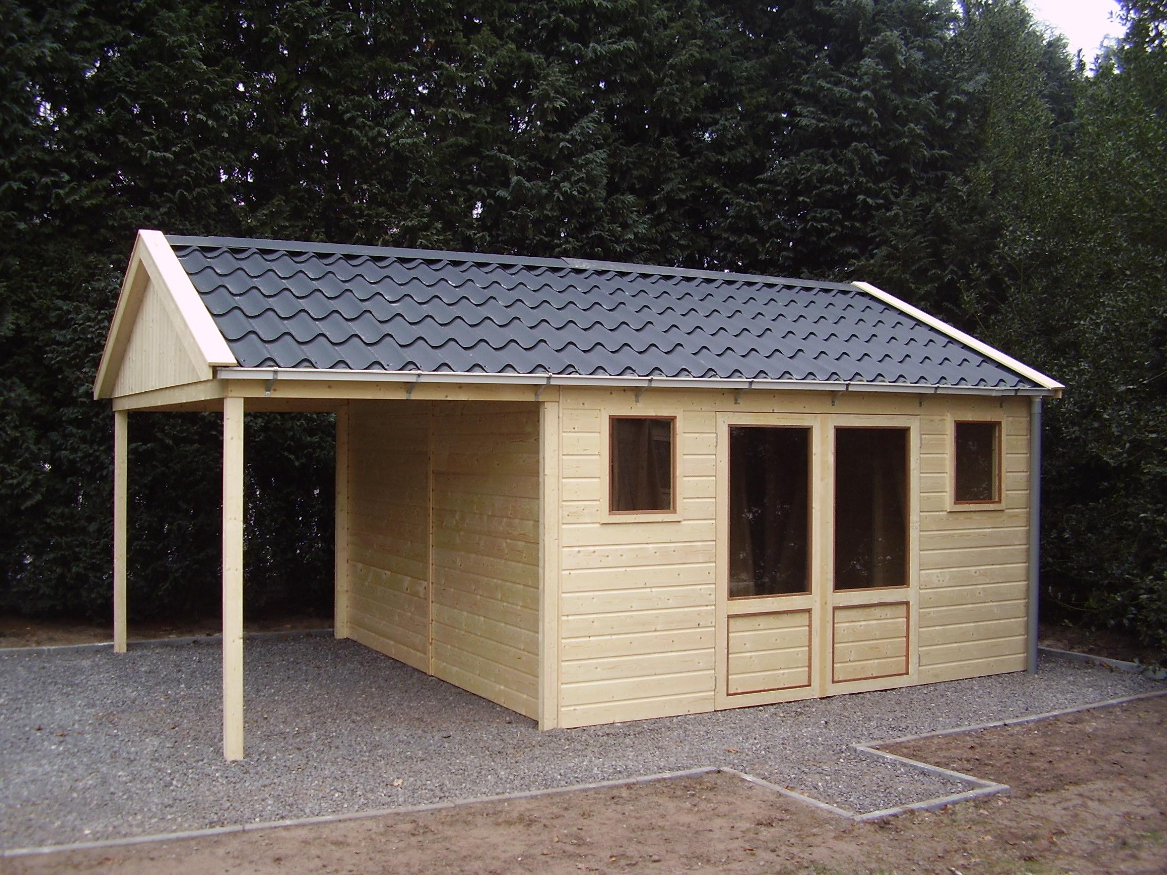 Houten tuinhuisje for Goedkope woning bouwen